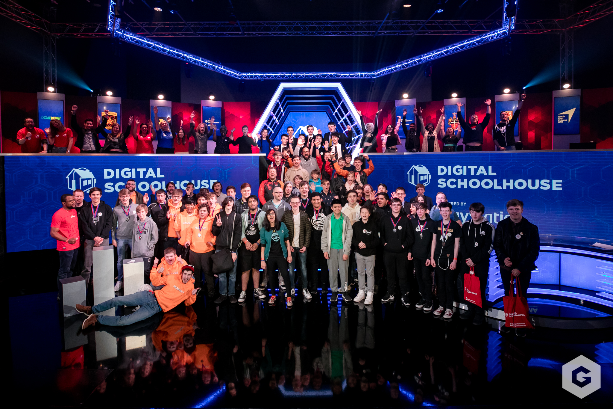 Digital Schoolhouse Finals 2019 all participants from the event in a group photo