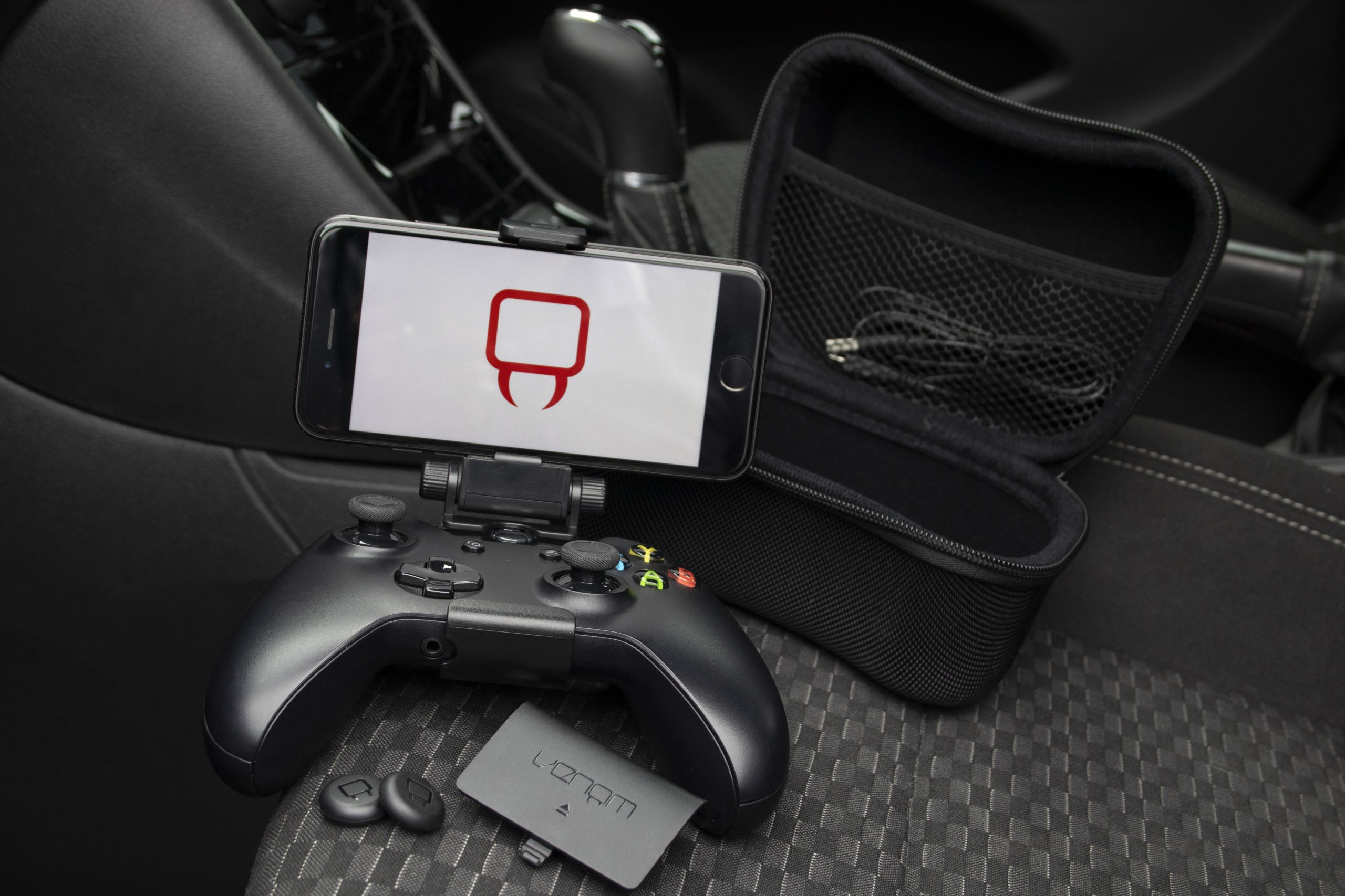Venom Xbox One Travel Kit for Xbox One showing phone mounted to controller
